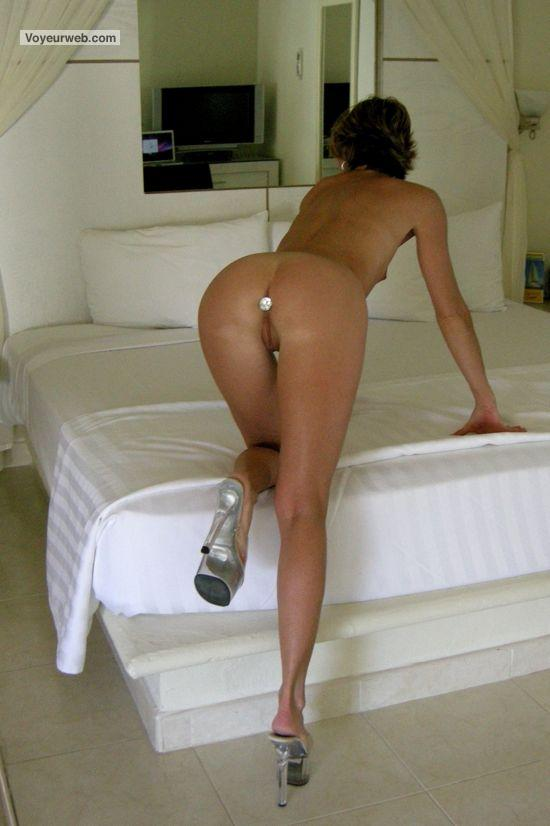 Busty executive mature using hotel services 4